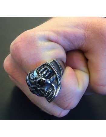 Captain Skull Ring Black Stone