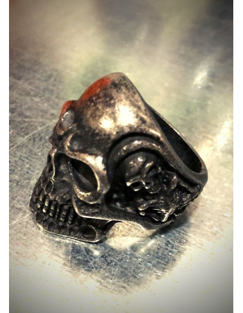 Skull Ring Darkness